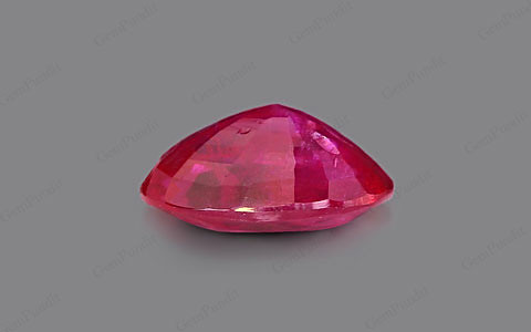 Pigeon Blood Ruby - 4.01 carats