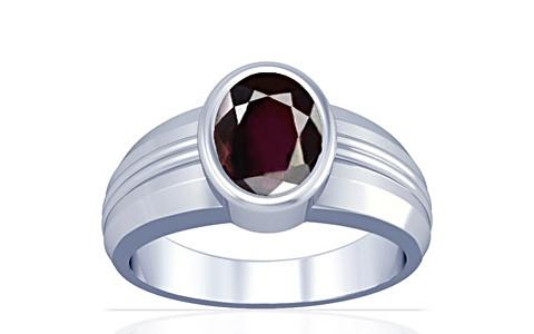 Garnet Silver Ring (A4)