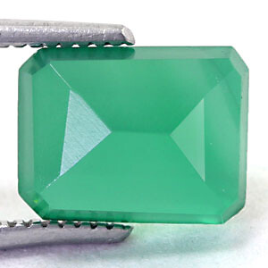Green Onyx - 2.90 carats