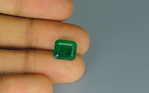 Emerald - 3.92 carats