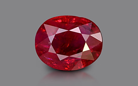 Pigeon Blood Ruby - 3.01 carats