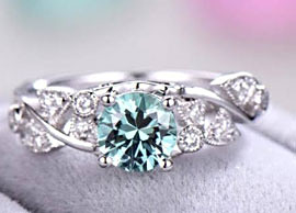 18K White Gold Green Sapphire Ring