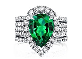 A 6.5ct Green Sapphire Ring