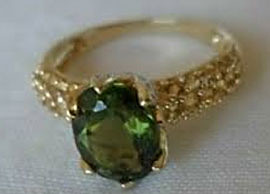22K Yellow Gold Green Sapphire Ring