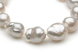 South-Sea-Baroque-Pearl-Necklace