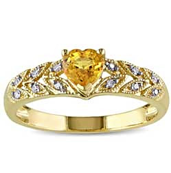 Victorian-style Vintage Yellow Sapphire ring